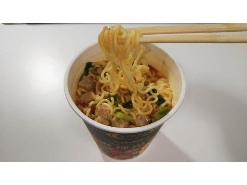 RIZAPカップ麺、麻辣湯麺 麺